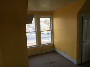 music-house-yellow-room